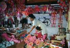 http://news.nationalgeographic.com/2015/05/150509-pictures-mothers-day-children-holiday-people-culture/