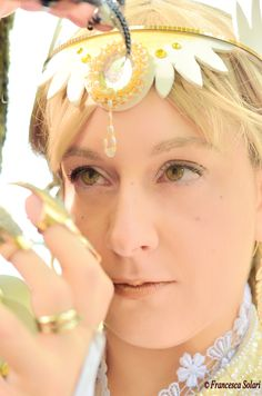Estalith from Leodhrae www.aurorafilippi.com  Photo by: Francesca Solari https://www.facebook.com/Francesca-Solari-Photography-454269394624161/  Location: Parco Giardino Sigurtà (Italy) #leodhrae #fantasy #costume #cosplay #book #novel #god #gods #goddess #ligh #angel