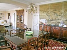 Luxurious dining, #vacation #rental style in #France. http://www.nyhabitat.com/south-france-apartment/vacation/1098