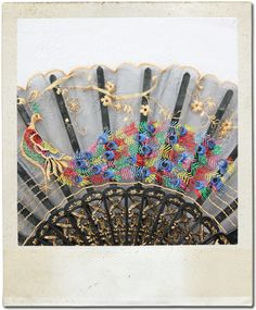 Ladies-Oriental-Hand-Stitched-Vintage-Peacock-Hand-Fan
