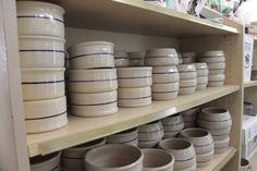 Photo of the dog bowl aisle.