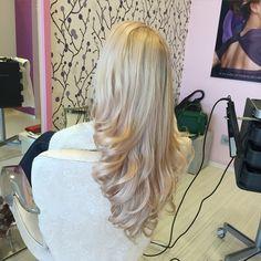 Soft blonde pink reflexion