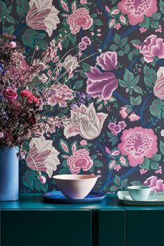 Stunning floral wallpaper design by Cole & Sons #darkfloralwallpaper