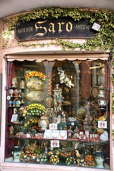 Shop in Taormina, Sicily. Dreaming of a Flower Shop, Patti M Foto Poster, Shop Fronts, Sicily Italy, Lovely Shop, Boutiques, Antique Shops, Shop Signs, Italy Travel, Italy Trip