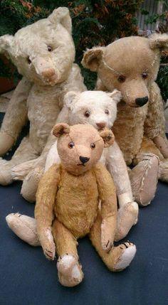 Mohair bears Teddy Bear Hug, Old Teddy Bears, Antique Teddy Bears, Dont Feed The Bears, Old Fashioned Toys, Love Bear, Bear Doll, Old Toys, Plush Dolls