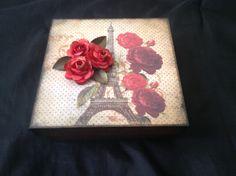 Caixa Paris com scrap de flor