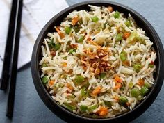 burnt garlic fried rice recipe with stepwise pics. making garlic fried rice is similar to making veg fried rice but with a small difference. Cooked Rice Recipes, Basmati Rice Recipes, Cooking Basmati Rice, Veg Recipes, Recipe Using Leftover Rice, Leftover Rice Recipes, Garlic Fried Rice, Thai Rice, Cabbage Casserole