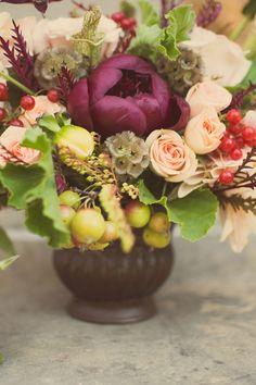 fall wedding arrangement #fallwedding http://www.weddingchicks.com/2013/11/26/fruitful-fall-wedding-ideas/