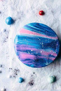 Mirror Glaze Galaxy Cake