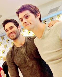 Hobrien doing interviews at sdcc 2013!  (Dylan O'Brien and Tyler Hoechlin)