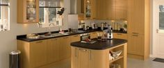 Burford Beech Kitchen Range | Kitchen Families | Howdens Joinery