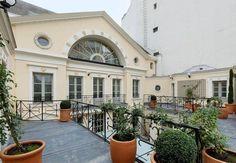 el actor depardieu pone a la venta su palacio en parís por su oposición a la política de hollande — idealista.com/news/