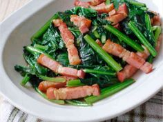 ☆ほうれん草とベーコンのバター醤油炒め☆の画像 Asian Recipes, Ethnic Recipes, Seaweed Salad, Junk Food, Japanese Food, Asparagus, Green Beans, Meals, Dishes