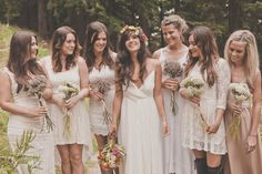I love the vintage vibe to this and that the bridesmaids have different dresses on!