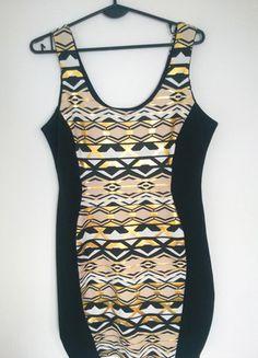 Kup mój przedmiot na #vintedpl http://www.vinted.pl/damska-odziez/krotkie-sukienki/10989889-sukienka-z-czarnymi-bokami-rozmiar-l