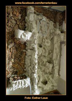 Bild 7 - Bau und Einrichtung Regenwaldterrarium mit Wasserfall - Korkpuzzel und Wasserlauf