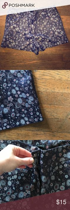 """Foil floral patterned shorts 4"""" inseam shorts. Foily and floral patterned. Clasp and zipper close. BRAND NEW LOFT Shorts"""