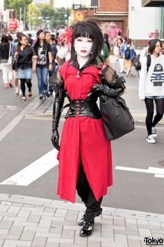 Harajuku Shironuri in Alice Auaa, PureOne Corset Works & Latex Gloves