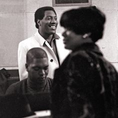 Otis Redding with Ms. Carla Thomas and Mr. Booker T. Jones of Booker T. and the Mg's in the studio recording for a record in Music Icon, Soul Music, Music Radio, Learn Guitar Chords, Otis Redding, Face The Music, Soul Funk, Booker T, Music Images