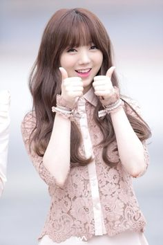 dedicated to female kpop idols. Kpop Girl Groups, Korean Girl Groups, Kpop Girls, Korean Celebrities, Celebs, Lovelyz Kei, Girls Foto, Korean People, Hip Hop Fashion