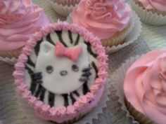 """""""Hello Kitty"""" cupcakes Soooo girly!!!"""