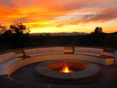 Located a few minutes outside of Santa Fe, the fire pit at the Rancho Encantado celebrates the rustic beauty and splendor of the southwest. All of the rooms are casitas and feature fireplace butlers who will personally keep the flames going.