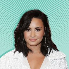 Demi Lovato Is Rocking a New Hair Color for Fall—and It's Not What You'd Expect Hair Colour For Green Eyes, Fall Hair Colors, Hair Colours, Ice Blonde, Cool Blonde, Beige Hair, Dark Hair, Chocolate Highlights, New Hair Color Trends