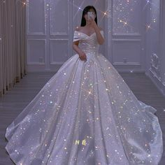Prom Girl Dresses, Wedding Dresses For Girls, Princess Wedding Dresses, Ball Dresses, Pretty Quinceanera Dresses, Pretty Dresses, Beautiful Dresses, Sparkly Gown, Mode Kpop