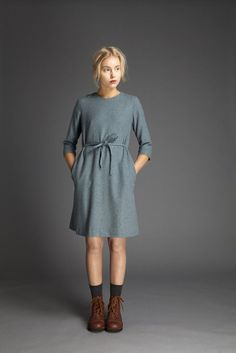 Simple dark grey dress with front tie and 3/4 sleeves | Liisa Riski