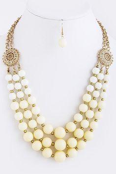 collier 3 rang perles et métal .JAS.
