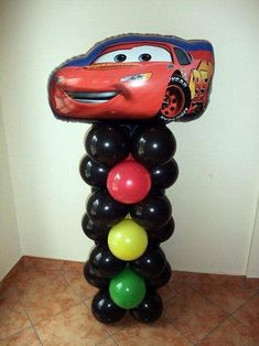 """Столбик из воздушных шаров в стиле мультфильма """"Тачки"""""""