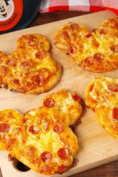 Pizza Hut, Eat Pizza, Kids Pizza, Pizza Dough, Kids Cooking Recipes, Pizza Recipes, Kids Meals, Cooker Recipes, Easy Snacks