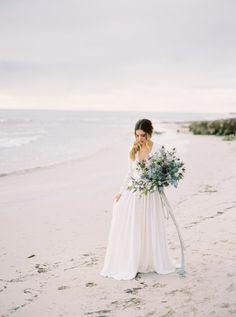 Wedding Florist IVY Flowers   Photos by Katie Grant   Gown & Veil by Harriet Gordon   Wedding Sparrow   Fine Art Curation #perthweddings #perthflorist