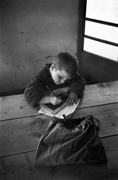by David Seymour, Greece, 1948 Black White Photos, Black And White Photography, Old Photos, Vintage Photos, Seymour, David, Book People, Great Photographers, Yesterday And Today