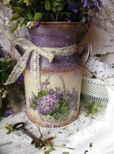 What a great idea for an old milk jug. Painted and decoupage a print from old fashioned wrapping paper or a photo. Vintage Shabby Chic, Shabby Chic Decor, Lace Decor, Painted Milk Cans, Deco Champetre, Lavender Cottage, Rose Cottage, All Things Purple, Tole Painting