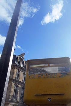 Public, Paris, Aldo, Broadway Shows, Watch, Youtube, Montmartre Paris, Clock, Bracelet Watch