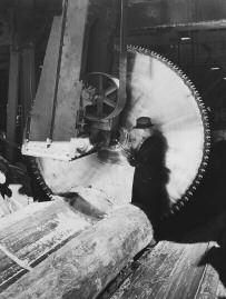 Google Image Result for http://american-business.org/uploads/posts/2011-11/1322587774_saw-at-a-lumber-mill.png