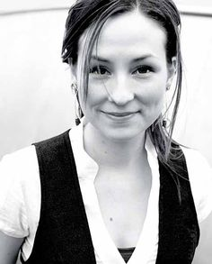 Julie Fowlis, VERY talented female singer/instrumentalist. She sings mostly Scottish Gaelic folk songs.