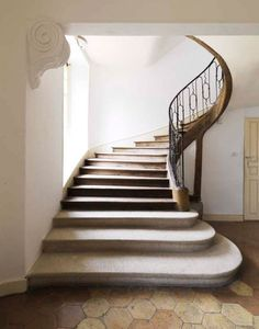 It would be amazing to someday stay in a home with stairs that have a railing good for sliding.