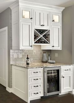 Best 100 white kitchen cabinets decor ideas for farmhouse style design - Home Decoration Cute Kitchen, Kitchen Cabinet Design, Rustic Farmhouse Kitchen, New Kitchen Cabinets, Kitchen Design, Kitchen Cabinets Decor, Kitchen Remodeling Projects, Trendy Kitchen, Kitchen Diy Makeover