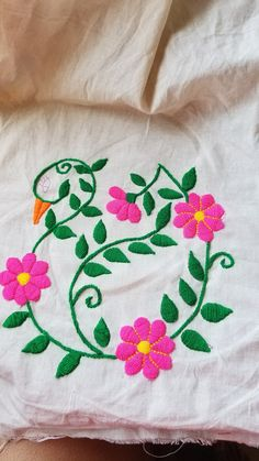 Cushion Embroidery, Hand Embroidery Videos, Mexican Embroidery, Embroidery Bracelets, Flower Embroidery Designs, Creative Embroidery, Hand Embroidery Stitches, Crochet Baby Dress Pattern, Crochet Bedspread