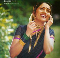 Madhuri Dixit Nene in traditional Maharashtrian Avatar Kashta Saree, Bollywood Saree, Indian Bollywood, Bollywood Actress, Sarees, Vintage Bollywood, Bollywood Celebrities, Black Hair Knots, Maharashtrian Saree