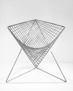 Furniture - Parabola Chair: straight curves - Busyboo