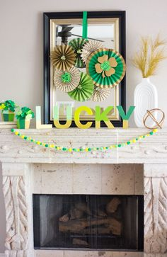 Love this shamrock filled mantel full of DIY St. Patrick's Day craft ideas!