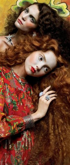 fantasy makeup looks from Vogue Italia September 2005 Photographer: Richard Burbridge Models: Lily Cole, Marina Pérez. Reminds me of klimt Lily Cole, Richard Burbridge, Mario Testino, Red Photography, Fashion Photography, Photography Flowers, Tableaux Vivants, Foto Fashion, Vogue Fashion