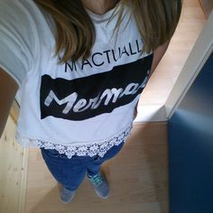 Nice outfit!  Croptop: primark High waste jeans: primark Shoes: nike