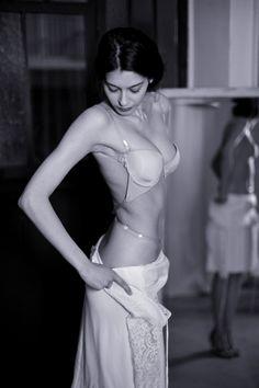 Back to glam, le soutien-gorge totalement invisible sous toutes les robes, tops et combinaisons aux grands dos nus.