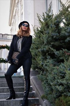 Do you admire over the Knee boot on others but do not dare wear them?Do it noe!Style is ageless!Read my article and get more ideas!