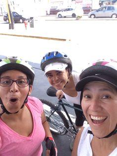 Pasear en bici con amigas S