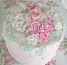 Roses Galore faux Cake with trailing leaves